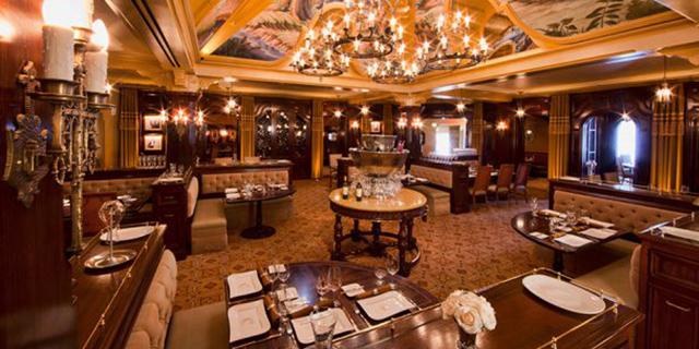 カリフォルニアのディズニーリゾートここが見たい Part12 「カーセイ・サークル・レストラン」をご紹介